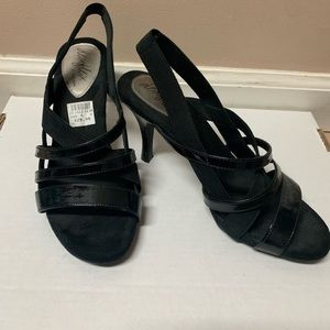 Heels with Elastic Back NWT